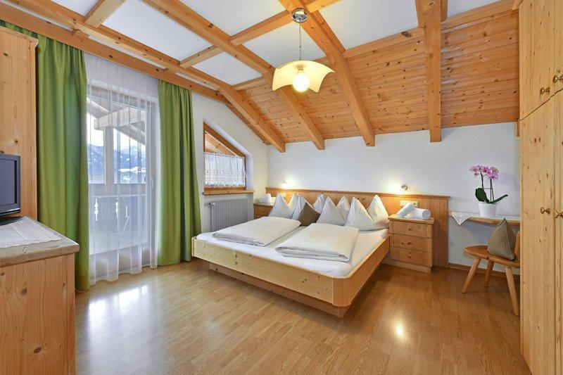 APPARTAMENTO N. 3 (camera da letto)