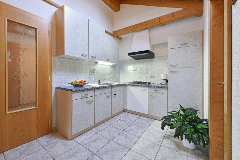 APPARTAMENTO N. 4 (cucina abitabile)